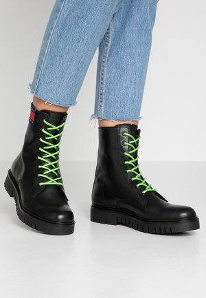 NEON DETAIL LACE UP BOOT - Platform ankle boots - black