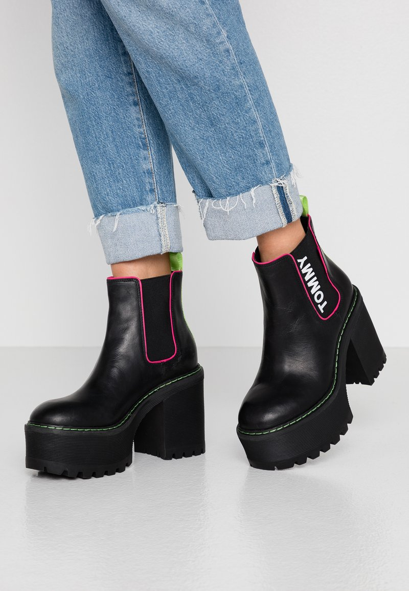 Tommy Jeans - CHELSEA CLEATED HEELED BOOT - Ankelboots med høye hæler - black