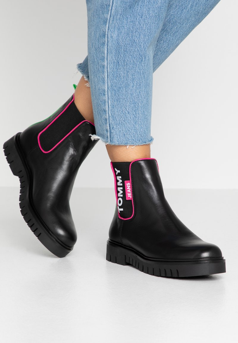 Tommy Jeans - NEON DETAIL CHELSEA BOOT - Botki - black