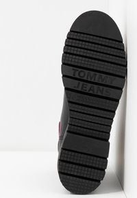 Tommy Jeans - NEON DETAIL CHELSEA BOOT - Botki - black - 6