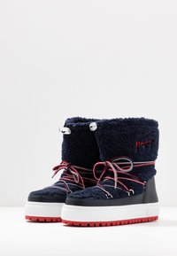 Tommy Jeans - SIGNATURE SNOWBOOT - Winter boots - blue - 4