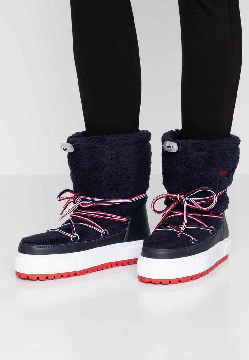 Tommy Jeans - SIGNATURE SNOWBOOT - Winter boots - blue