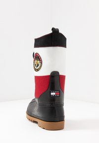 Tommy Jeans - HERITAGE DUCKBOOT - Winter boots - red - 3