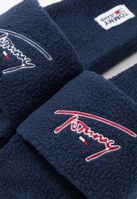 Tommy Jeans - SIGNATURE SLIDE - Pantuflas - blue - 5