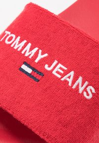 Tommy Jeans - SLIDE - Pantofle - red - 5