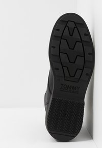 Tommy Jeans - CASUAL BOOT - Bottines à lacets - black - 4