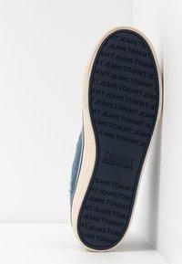 Tommy Jeans - HIGHTOP - Zapatillas altas - denim - 4