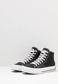 Tommy Jeans - CLASSIC MID - Sneakers high - black - 2