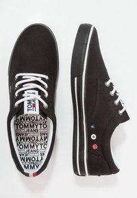 Tommy Jeans - Sneakersy niskie - black - 1
