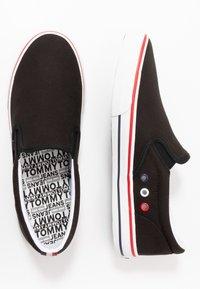 Tommy Jeans - Półbuty wsuwane - black - 1