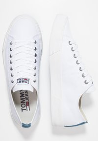 Tommy Jeans - CLASSIC - Zapatillas - white - 1