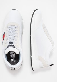 Tommy Jeans - FLAG FLEXI  - Sneakers - white - 1