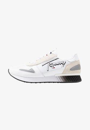 LIFESTYLE - Sneakers - white
