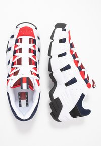 Tommy Jeans - HERITAGE CHUNKY  - Sneakers laag - red - 1