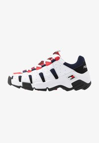 Tommy Jeans - HERITAGE CHUNKY  - Sneakers laag - red - 0