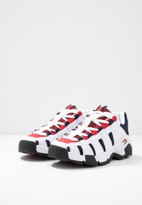 Tommy Jeans - HERITAGE CHUNKY  - Sneakers laag - red - 2