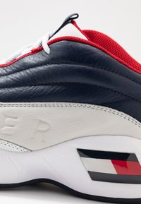 Tommy Jeans - THE SKEW HERITAGE  - Trainers - red/white/blue - 5