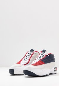 Tommy Jeans - THE SKEW HERITAGE  - Trainers - red/white/blue - 2
