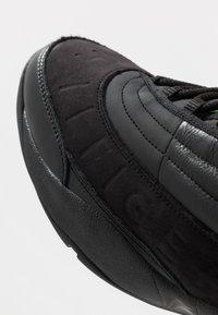 Tommy Jeans - THE SKEW HERITAGE  - Matalavartiset tennarit - black - 5
