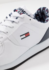 Tommy Jeans - CASUAL - Sneakers - white - 6