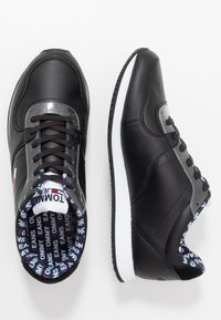 Tommy Jeans - CASUAL - Sneakersy niskie - black - 1