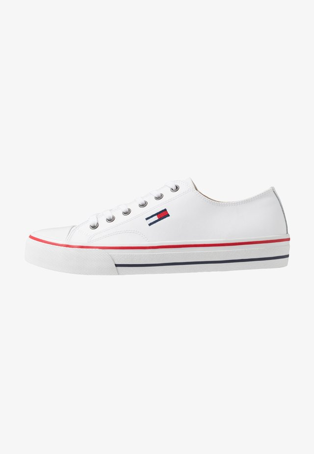 CITY  - Sneakers - white