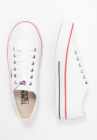 Tommy Jeans - CITY  - Sneakersy niskie - white - 1