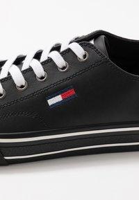 Tommy Jeans - CITY  - Sneaker low - black - 5