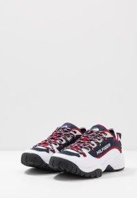 Tommy Jeans - HERITAGE  - Sneakersy niskie - white - 2