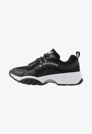 HERITAGE RUNNER - Matalavartiset tennarit - black