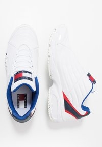 Tommy Jeans - HERITAGE - Trainers - white - 1