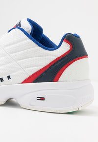 Tommy Jeans - HERITAGE - Trainers - white - 5