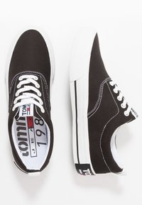 Tommy Jeans - CLASSIC - Baskets basses - black - 1