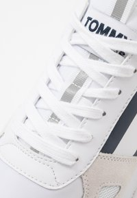 Tommy Jeans - LIFESTYLE RUNNER - Sneakers - white - 5
