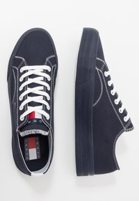 Tommy Jeans - LONG LACE UP - Sneakersy niskie - blue - 1