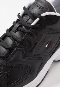 Tommy Jeans - HERITAGE  - Matalavartiset tennarit - black - 5