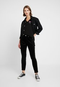 Tommy Jeans - HIGH RISE SUPER - Pantalon classique - black - 1