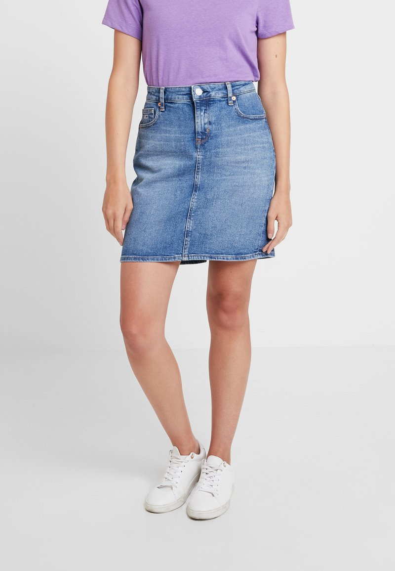 Tommy Jeans - REGULAR DENIM SKIRT - Denim skirt - blue denim