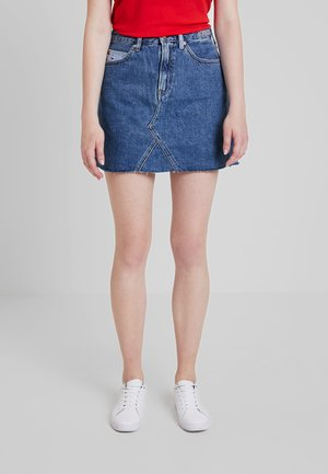 SHORT SKIRT - Falda acampanada - dark-blue denim
