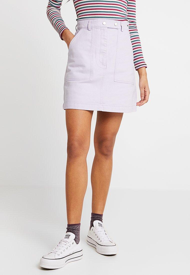 Tommy Jeans - SOLID CARPENTER SKIRT - Áčková sukně - pastel lilac