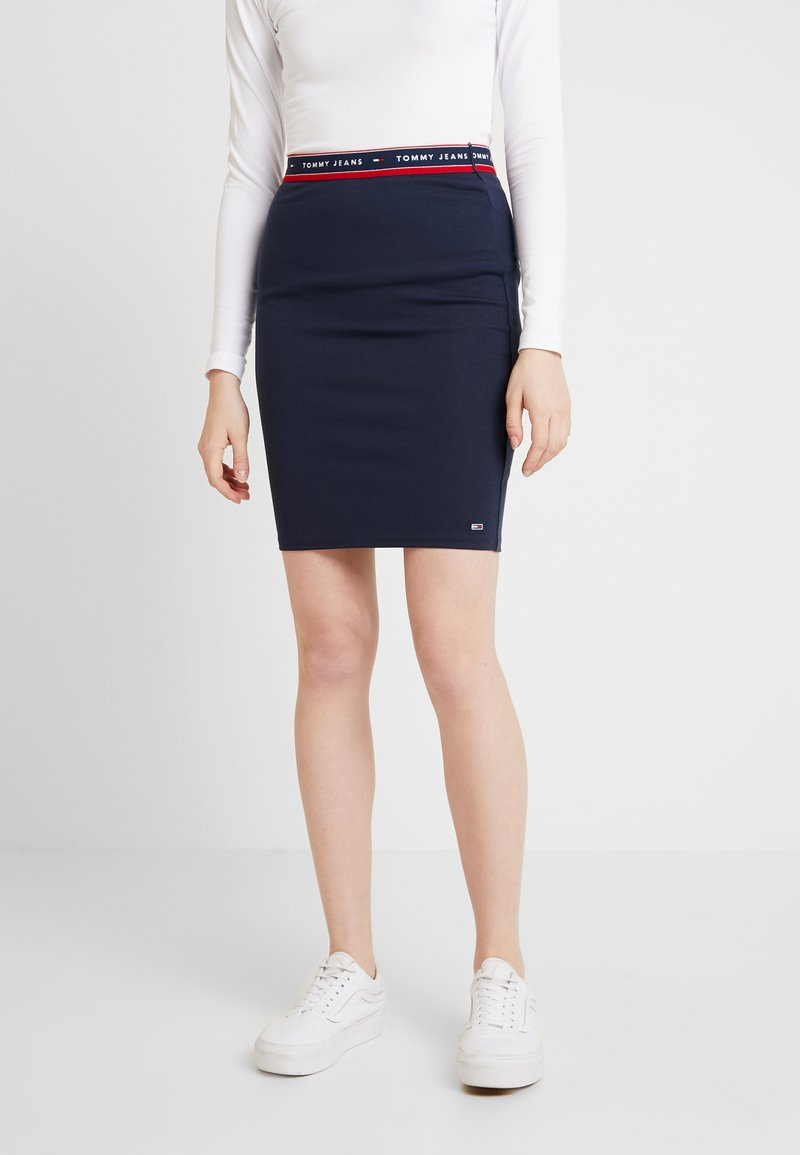 Tommy Jeans - BODYCON SKIRT - Minijupe - black iris