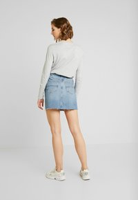 Tommy Jeans - SHORT SKIRT - Spódnica mini - stone blue denim - 2