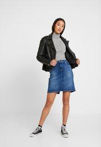 Tommy Jeans - CLASSIC SKIRT - A-linjainen hame - blue denim - 1