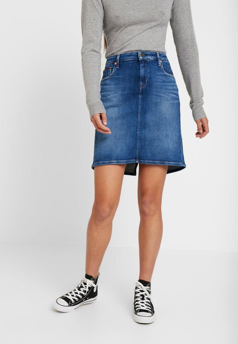 Tommy Jeans - CLASSIC SKIRT - A-linjainen hame - blue denim