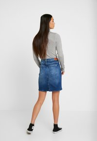 Tommy Jeans - CLASSIC SKIRT - A-linjainen hame - blue denim - 2