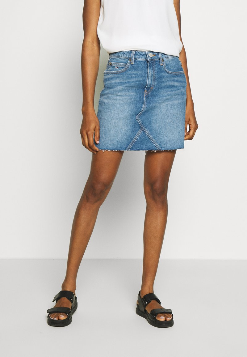 Tommy Jeans - SHORT SKIRT - Farkkuhame - blue denim