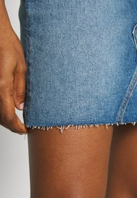 Tommy Jeans - SHORT SKIRT - Farkkuhame - blue denim - 3