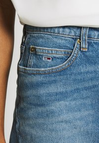 Tommy Jeans - SHORT SKIRT - Farkkuhame - blue denim - 5