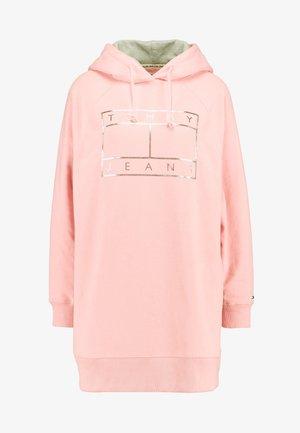 Vestido informal - pink icing