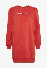 Tommy Jeans - HEART LOGO  - Denní šaty - racing red - 3